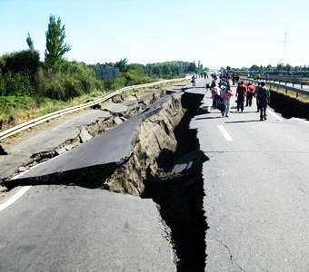 の 夢 地震